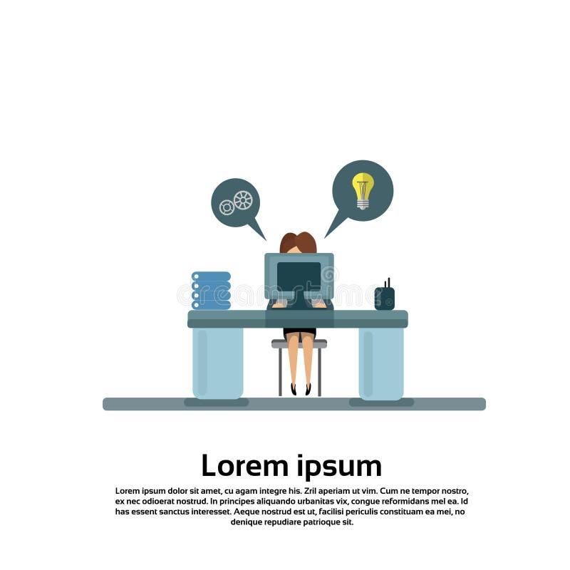 Biznesowej kobiety obsiadanie przy biurkiem w Biurowym Pracującym komputerze ilustracji