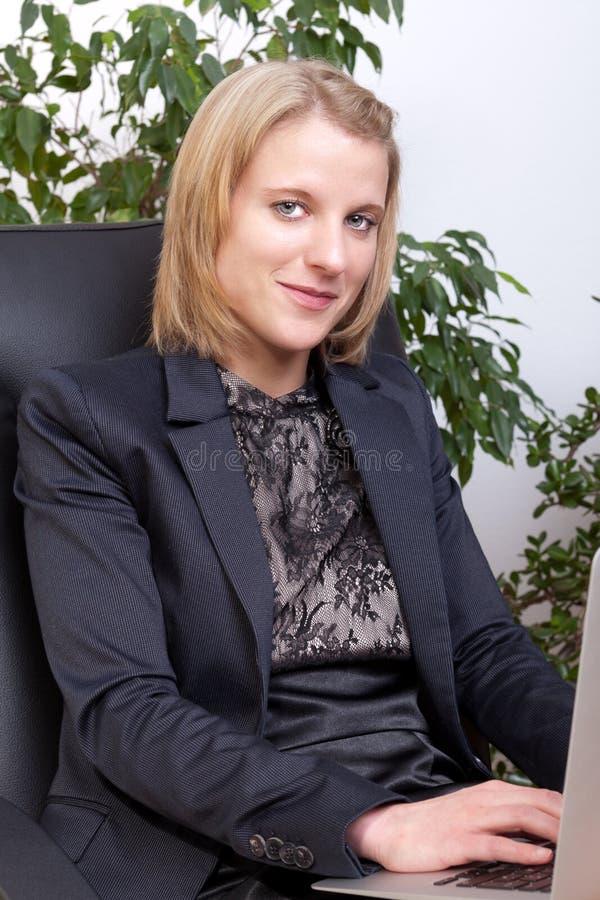biznesowej kobiety potomstwa fotografia royalty free