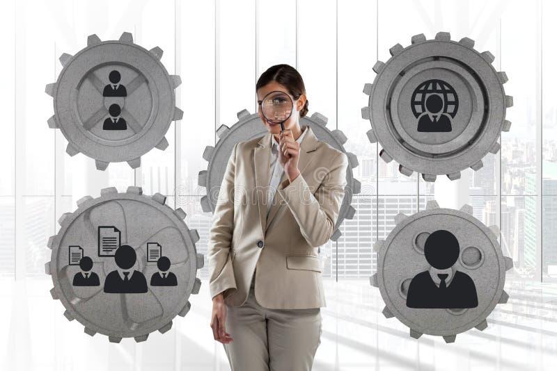 Biznesowej kobiety pozycja przeciw ludziom w cogs grafika przeciw biurowemu tłu royalty ilustracja