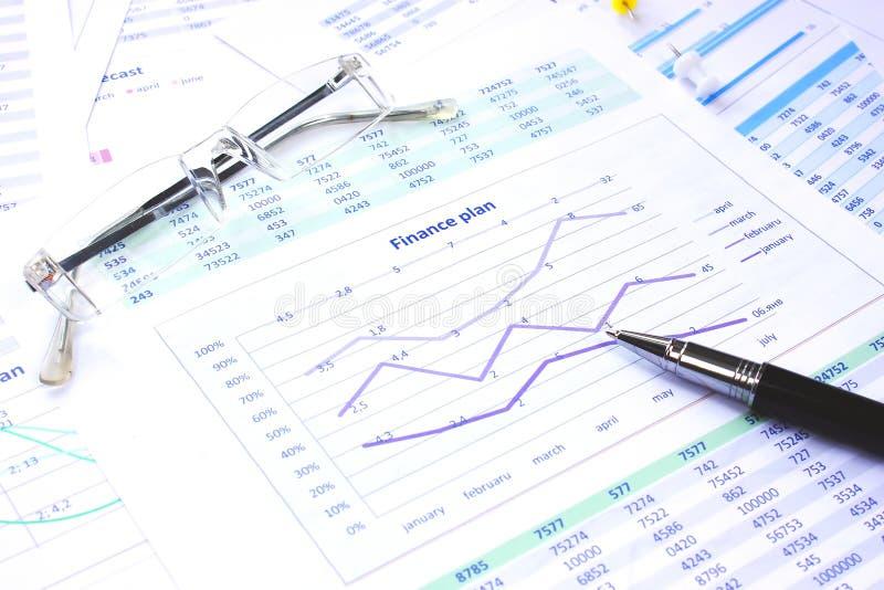 biznesowej mapy pieniężny przyrost pokazywać sukces fotografia royalty free