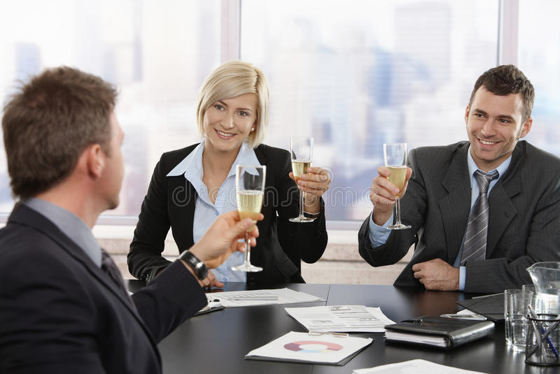 biznesowej odświętności szampańscy ludzie obrazy stock