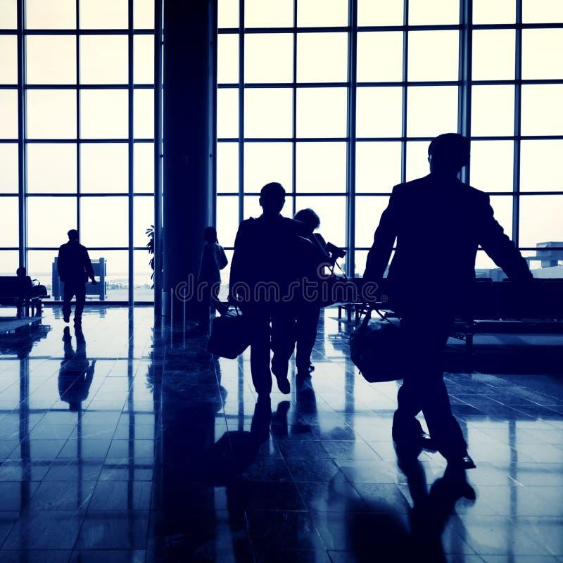 Biznesowej podróży dojeżdżającego pasażera Lotniskowy pojęcie zdjęcia stock