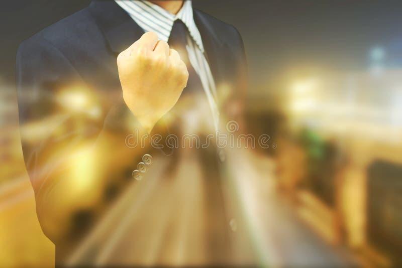 Biznesowi mężczyzna wygrywają garść zwycięzców zdjęcie stock