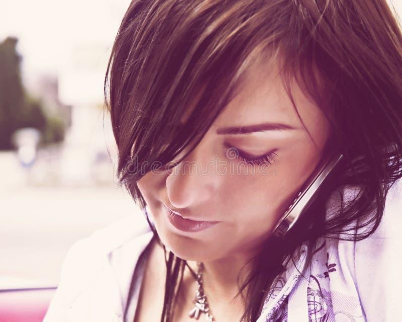 Biznesowi młodych kobiet wezwania obrazy stock
