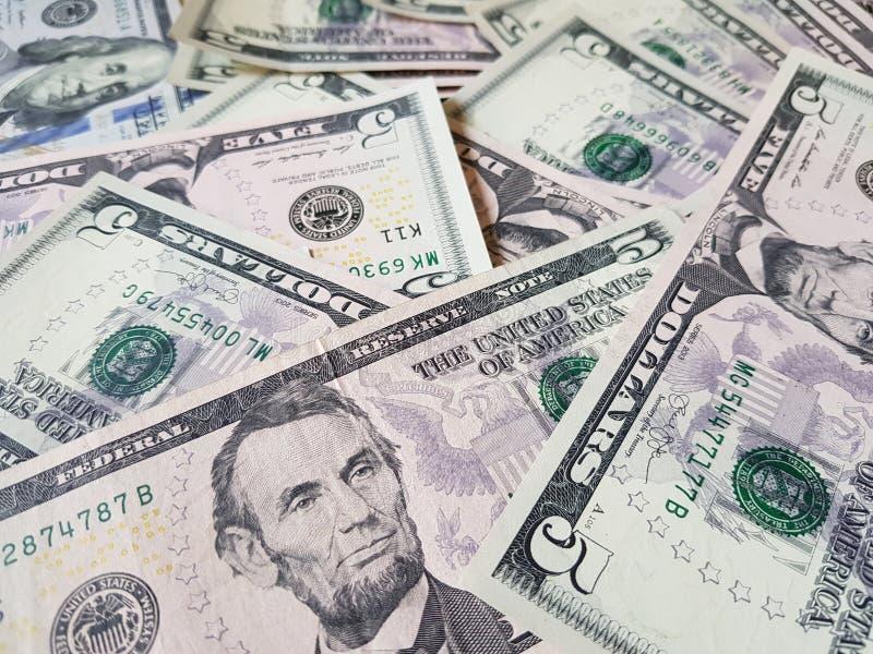 Biznesowi poj?cia, t?o, finansowa inwestycja i pieni?dze wymiana: Ameryka?ska dolar got?wka Gotowa inwestowa? dooko?a ?wiata zdjęcia royalty free