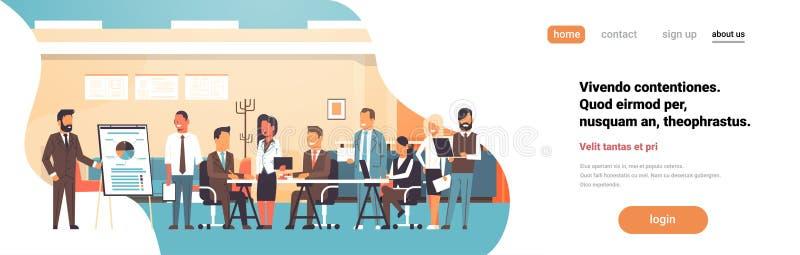 Biznesowi prezentacji trzepnięcia mapy pojęcia drużyny brainstorming grupy profesjonalistów spotyka ludzie dyskutujący raportowy  royalty ilustracja