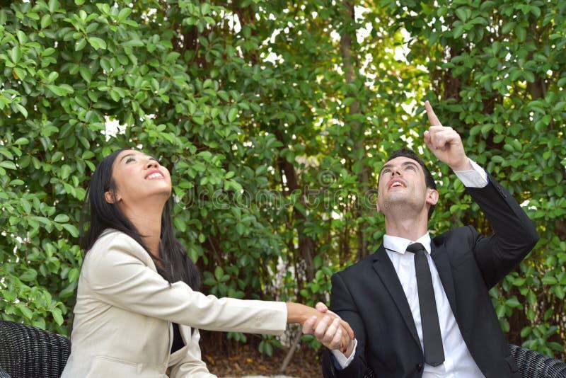 biznesowy ścinku współpraca zawierać ścieżka Pojęcie niezawodność partnerstwo i współpraca Biznes obrazy royalty free