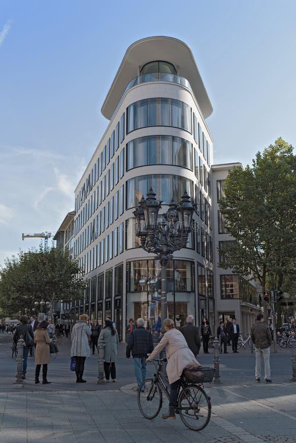 Biznesowy budynek w Wielkim Bockenheimer Straße, Frankfurt, Niemcy obrazy stock