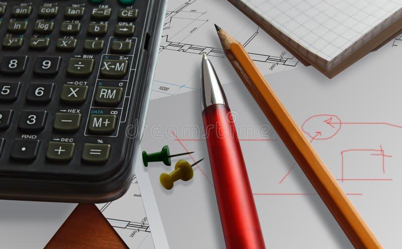 Biznesowy czerwony pióra tła kalkulator fotografia stock