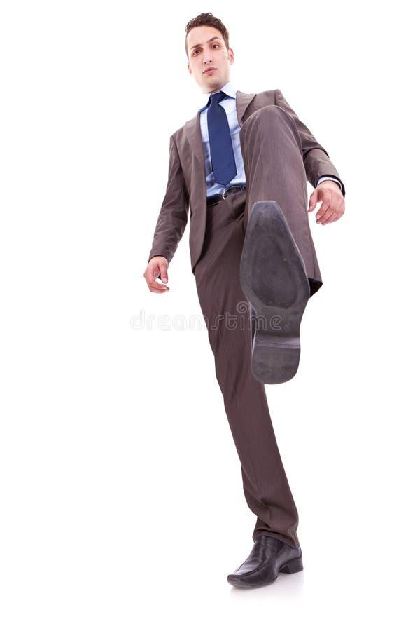 biznesowy mężczyzna kroczenie zdjęcia royalty free