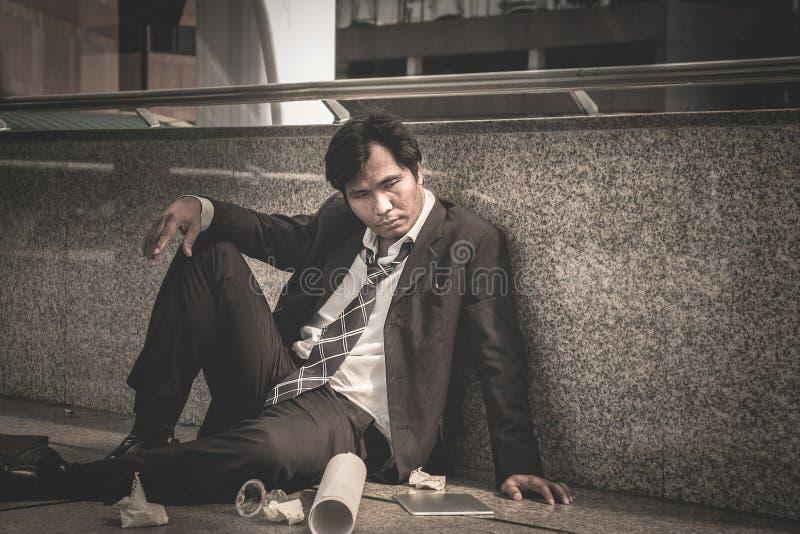 Biznesowy mężczyzna nie udać się czuć i dis beznadziejny, zrozpaczony, smutny, fotografia stock