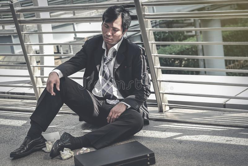 Biznesowy mężczyzna nie udać się czuć i dis beznadziejny, zrozpaczony, smutny, obrazy royalty free