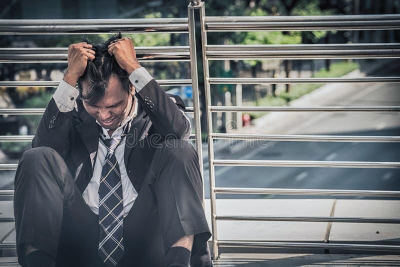 Biznesowy mężczyzna nie udać się czuć i dis beznadziejny, zrozpaczony, smutny, obraz stock