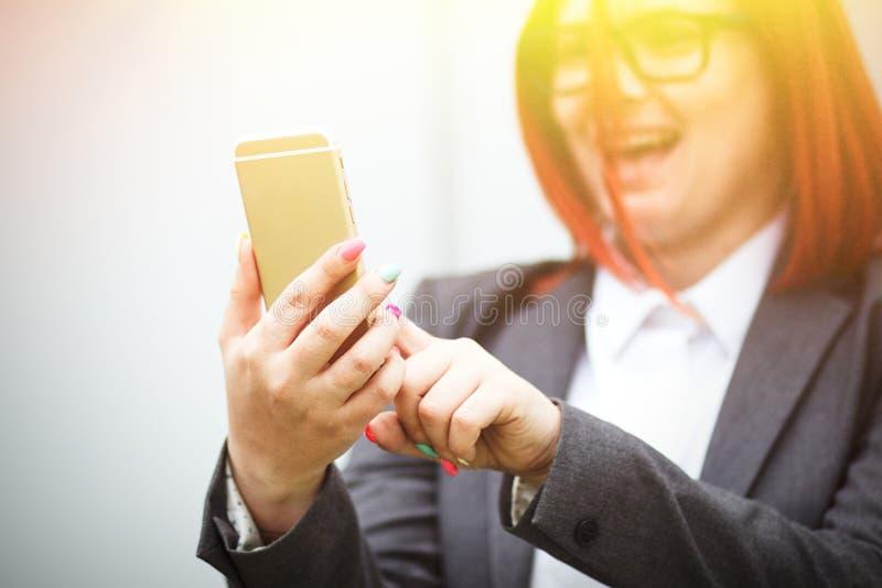 Biznesowy pojęcie sukces i rozmowy telefoniczne powaga obraz royalty free