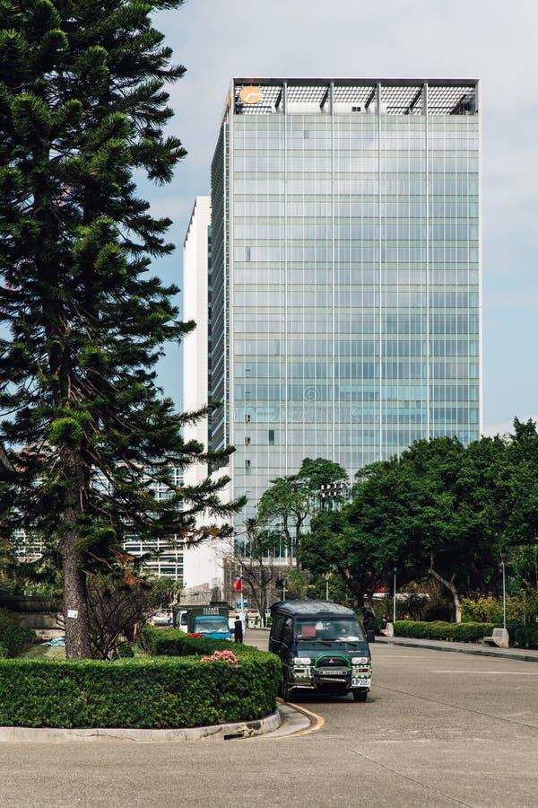 Biznesowy teren z nowo?ytnym wysokim wzrostem buduje widok od terenu Krajowy Dr Sun Yat-sen Memorial Hall w Taipei, Tajwan obraz stock