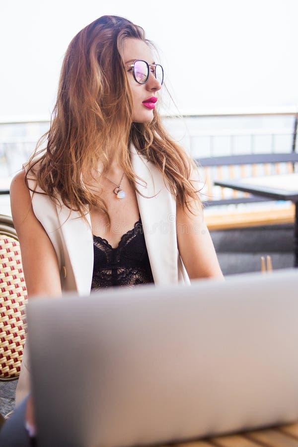 Biznesowych kobiet pracować zdjęcia royalty free