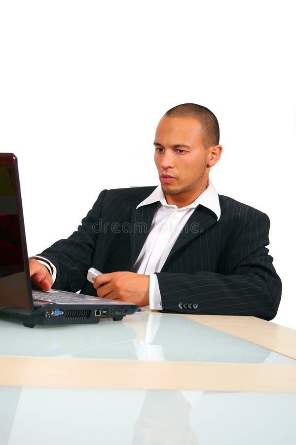 biznesu frontowi laptopu mężczyzna potomstwa zdjęcia stock