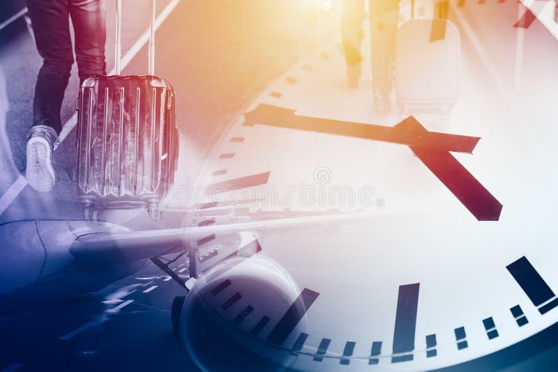 Biznesu i czasów podróży lot podróżuje miejsce przeznaczenia synchronizuje zegar zdjęcia stock