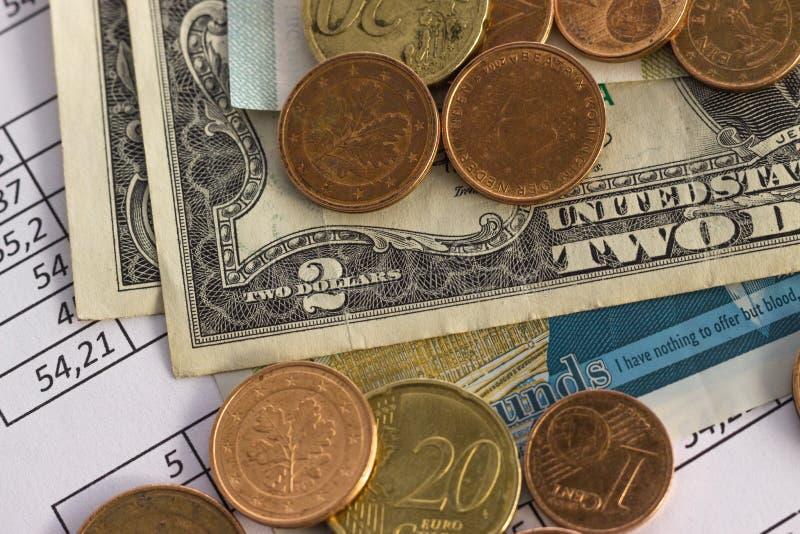Biznesu oszczędzania planowania konta finansowy pojęcie rozliczający, biznesowi obliczenia, spieniężają liczenie zdjęcie stock