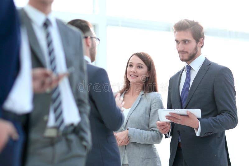 Biznesu spotkania dyskusi przerwy Dru?ynowy poj?cie zdjęcia royalty free
