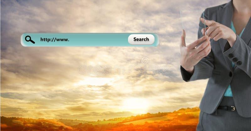 Bizneswoman dotyka przejrzystą cyfrową pastylkę rewizja barem przeciw chmurnemu niebu obraz royalty free