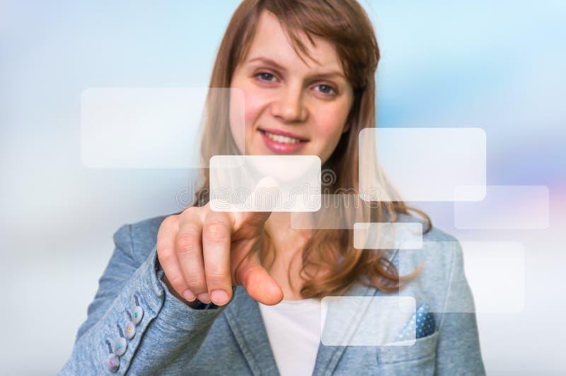 Bizneswoman ręki odciskania dotyka ekranu nowożytny guzik zdjęcia royalty free