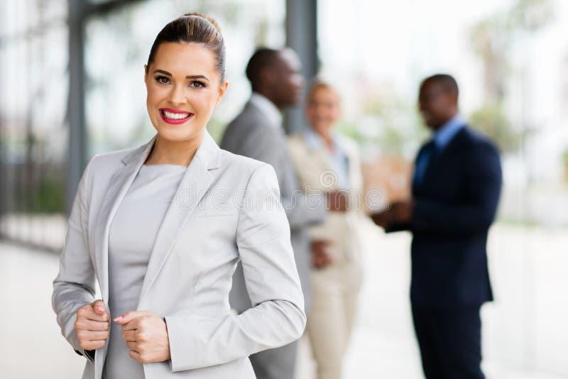 Bizneswoman w biurze obrazy royalty free