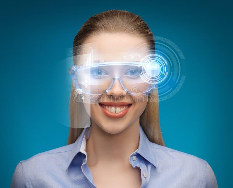 Bizneswoman z cyfrowymi szkłami fotografia stock