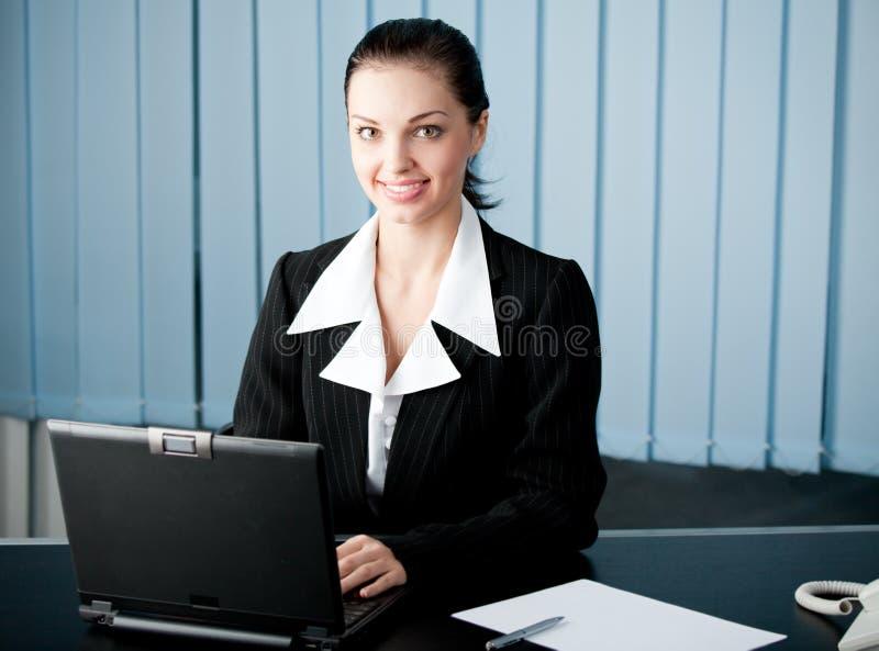 bizneswomanu biuro zdjęcia royalty free