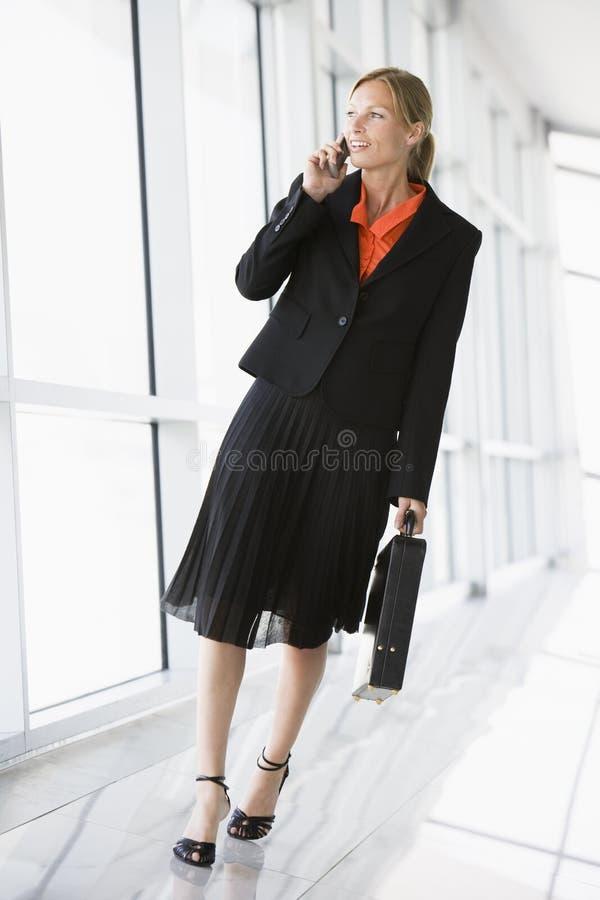 bizneswomanu korytarza, obraz royalty free