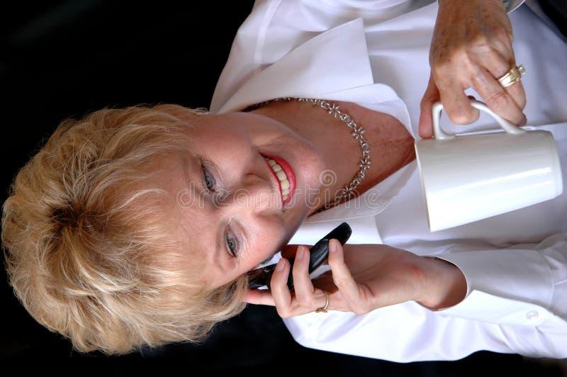 bizneswomanu multitasking zdjęcie stock