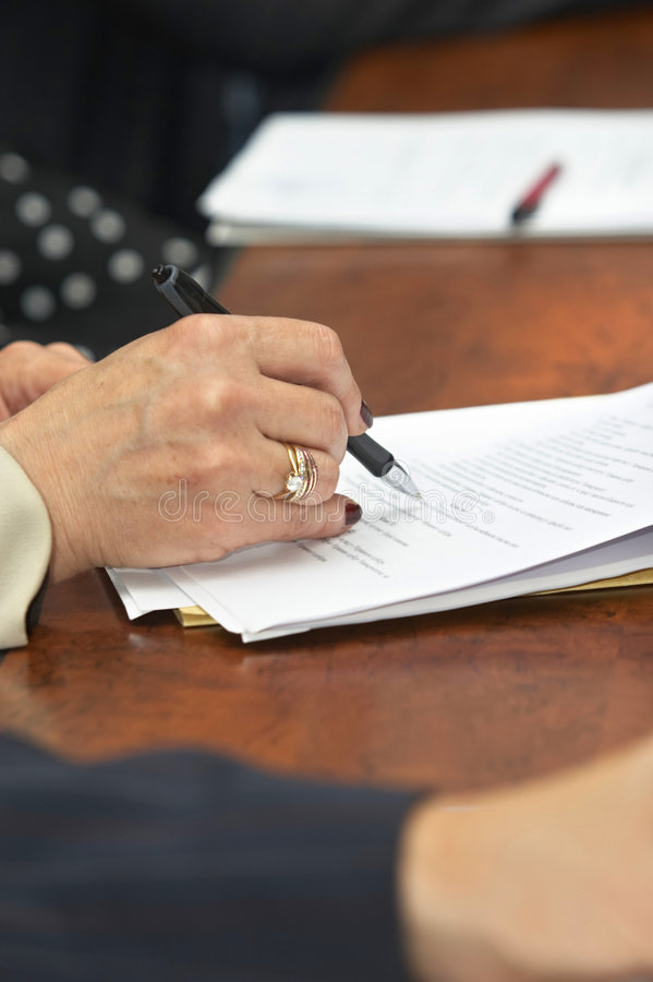 bizneswomanu writing zdjęcia stock