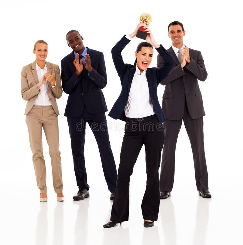 Bizneswomanu wygrany trofeum obraz royalty free