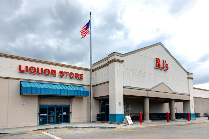 BJ`s Wholesale Club. Hollywood, FL, USA - March 5, 2017: BJ`s is a membership only Wholesale Club with over 200 locations mainly on the East Coast of the USA stock photography