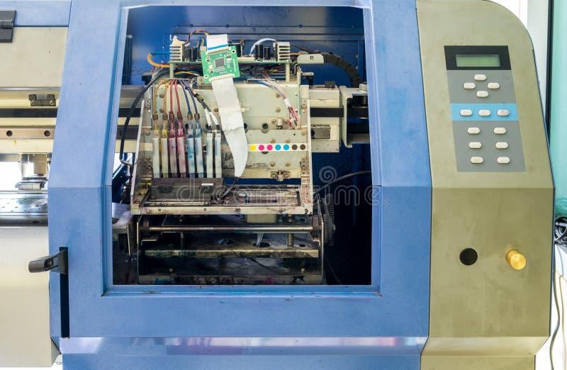 Bläckstrålar för skrivare för kontrollantströmkretsbräde arkivbilder