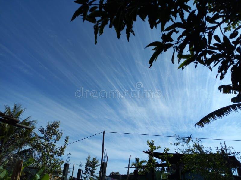 Bländande himmel royaltyfria foton