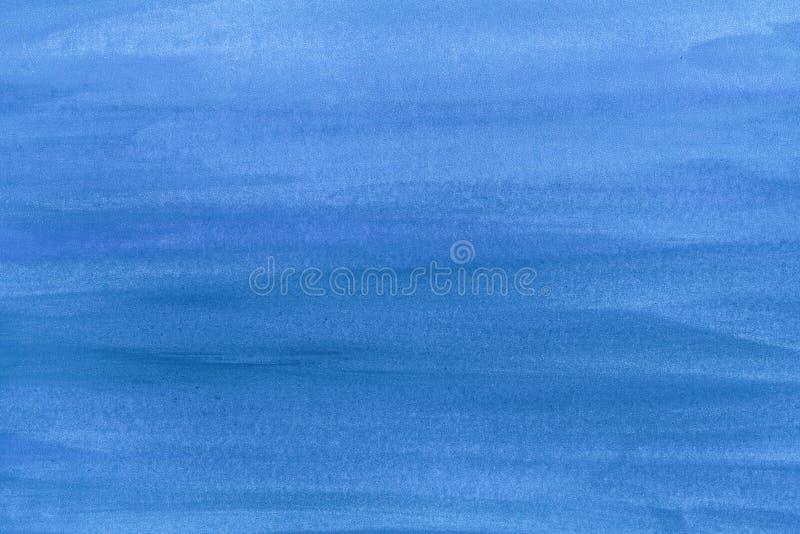 Blå bakgrund för textur för slaglängd för målarfärgborste på papper Vattenfärgtextur för idérikt tapet- eller designkonstverk arkivbilder