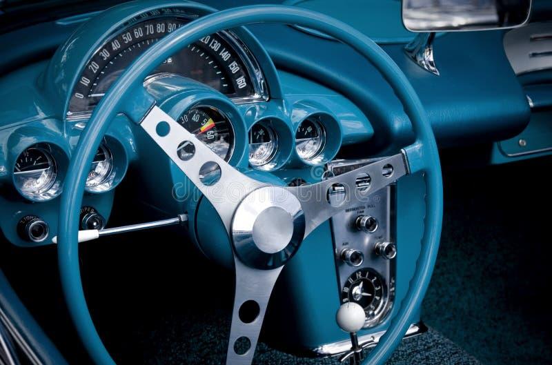 blå bilcockpit arkivfoto