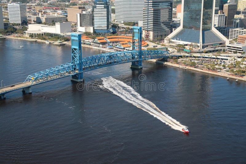 Blå bro Jacksonville Florida royaltyfria bilder