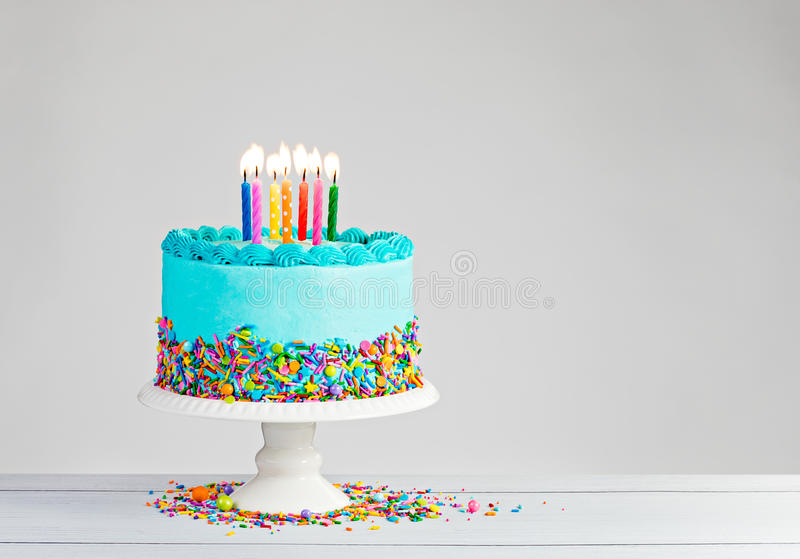 blå cake för födelsedag royaltyfria foton