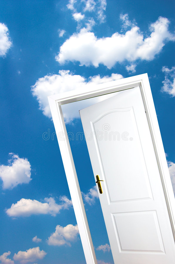 blå dörrsky royaltyfri bild