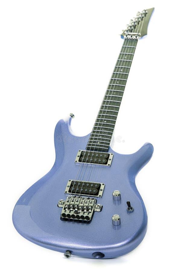 Blå elektrisk gitarr för klassiker som isoleras mot vit bakgrund arkivfoto