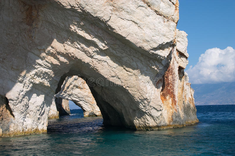 blå grottaö zakynthos arkivfoton