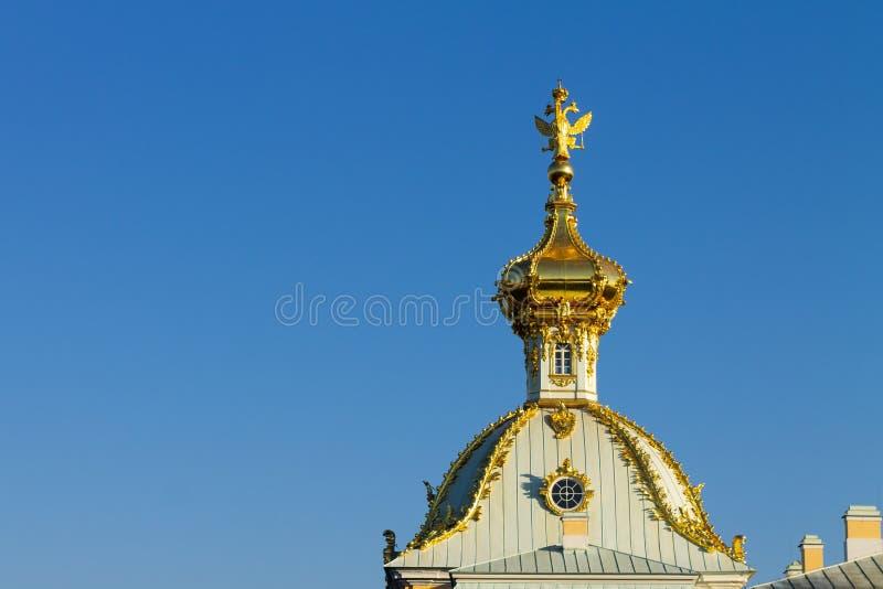 Blå himmel för guld- kupolkupolagaints royaltyfri bild