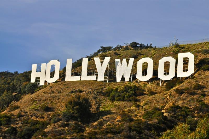 blå hollywood teckensky royaltyfri fotografi