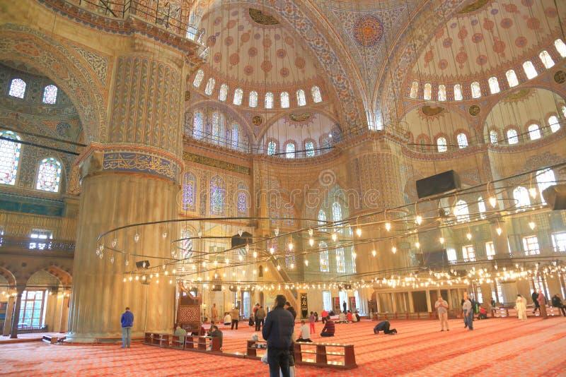 blå inre moské royaltyfria foton