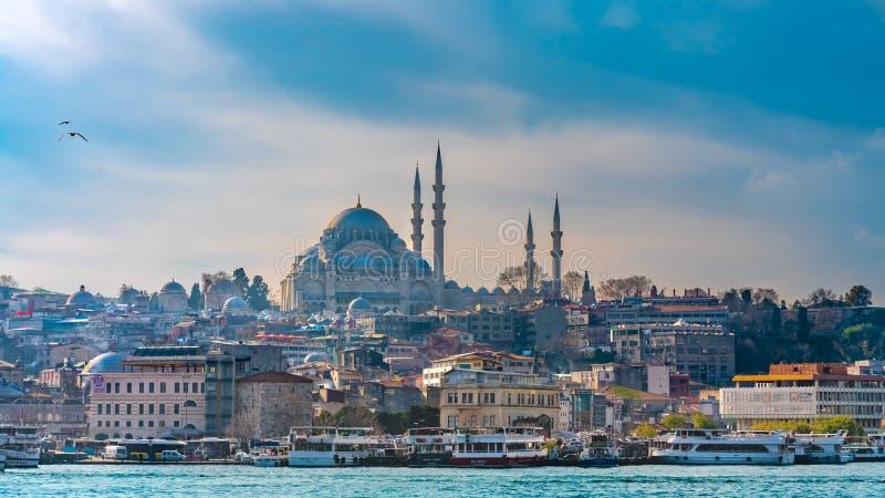 blå istanbul moskékalkon royaltyfri foto