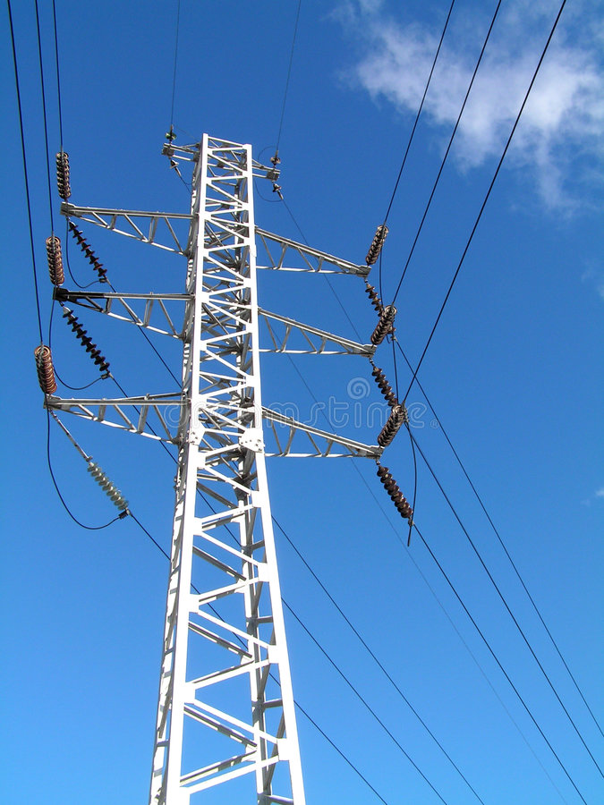 blå kabel pilonsky för elektricitet 2 royaltyfri foto