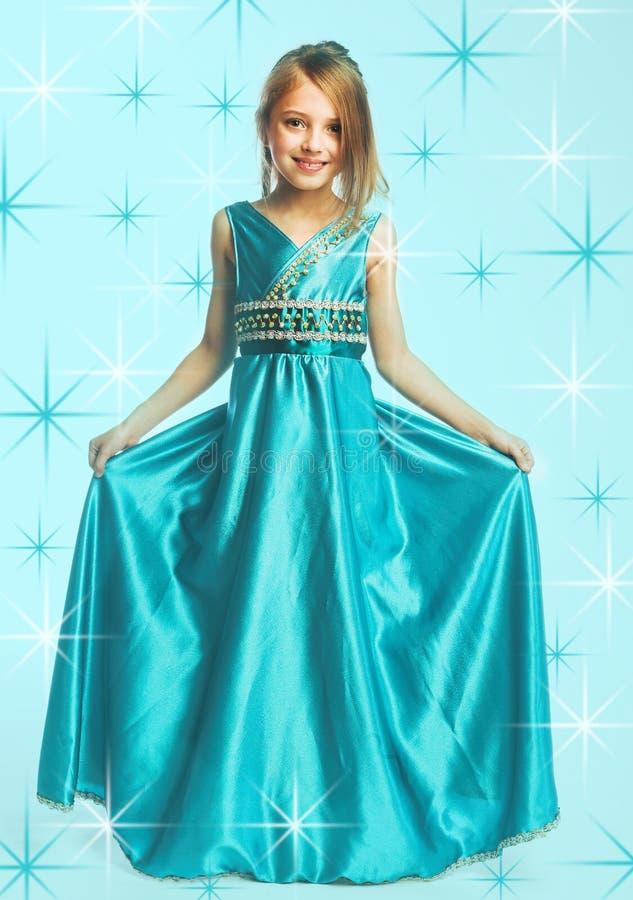 blå klänningflicka little fotografering för bildbyråer