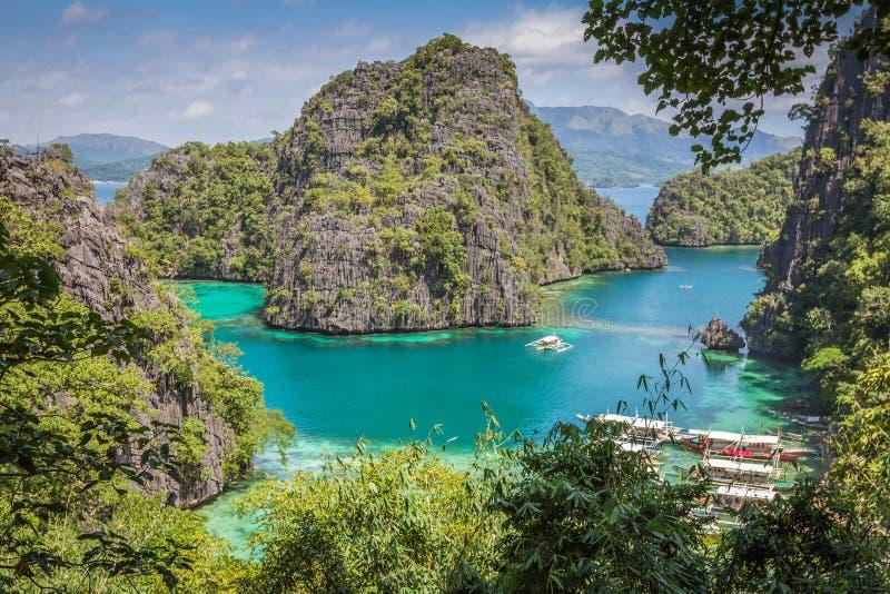 Blå lagun i Coron Palawan Filippinerna arkivfoton